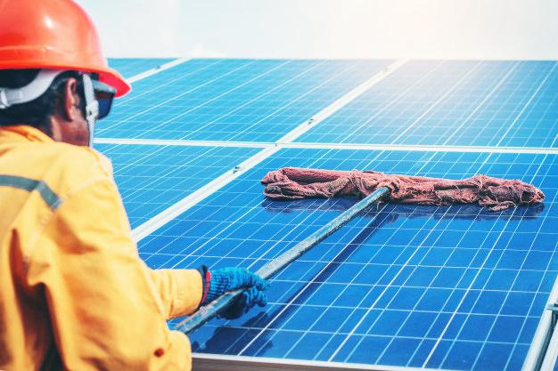 Mantenimiento panel solar